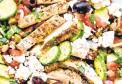 ??  ?? Grilled chicken salad.