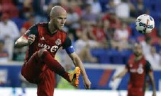 ?? JULIO CORTEZ/THE ASSOCIATED PRESS ?? Toronto FC's Michael Bradley has been on the losing side in only three of his last 35 competitive matches with TFC and the U.S. national team.