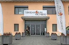?? Fotos: Beat Mathys ?? Vom Hamster bis zum Pferd: Seit 20 Jahren werden in Kirchberg Tiere kremiert.