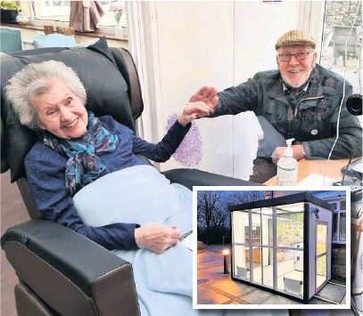 ??  ?? ●● Hillview Care Home in Rawtenstall installed a new visiting pod. Phyllis was very happy to be reunited with her husband Graham, and (inset) the new visitor pod at Olive House in Bacup