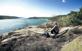 ?? Bild: Lasse Edwartz ?? Längs Soteleden finns stoppet Rödsberget med utsikt över Åbyfjorden.