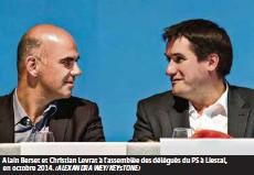 ?? (ALEXANDRA WEY/KEYSTONE) ?? Alain Berset et Christian Levrat à l'assemblée des délégués du PS à Liestal, en octobre 2014.