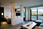 ??  ?? Une Deluxe Suite de la Sha Wellness Clinic. Le confort d'un appartement haut de gamme, le service en plus.