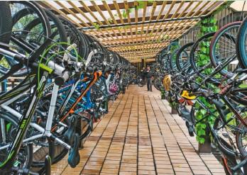 ??  ?? El biciparqueadero del Banco de Bogotá fue certificado con el sello de calidad oro. Cuenta con 110 cupos y tiene punto de hidratación y estación de mantenimiento.