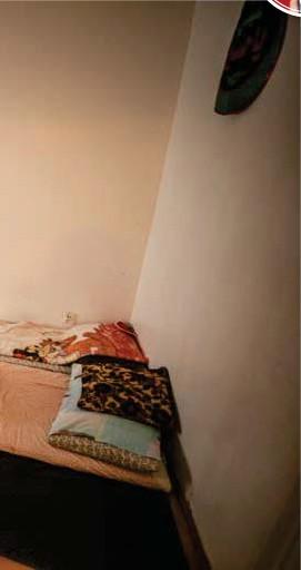 ?? FOTO: CLAUDIO BRITOS ?? Nu sover Jaafar Kadhim och hans familj på golvet.