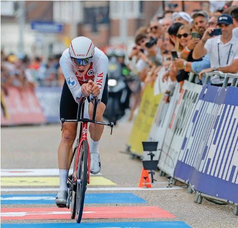 ?? Foto: EPA ?? Ziel erreicht, Ziel verpasst: Stefan Küng musste sich mit Platz 5 begnügen.