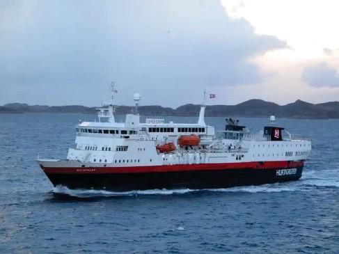 ??  ?? T he coasta l ferry is part of the Norwegian psyche and great va l ue (Simon Ca l der)
