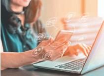 ??  ?? Informe Digital de El Salvador realizado por ilifebelt. • Cuenta con más de 1.300 millones de usuarios. Es una red instantánea de mensajería, donde también se envían mensajes de voz, videos, fotos, etc.