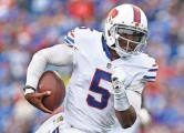 ?? KEVIN HOFFMAN, USA TODAY SPORTS ?? Tyrod Taylor was 14-for-19 for 195 yards and a TD.