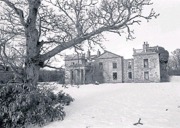 ??  ?? STATELY SPLENDOUR: The magnificent ruined south front of 18th Century Aden House near Mintlaw, consolidated in 1976 as a feature of the country park