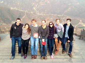 ??  ?? (Left) Liu Xi (fifth left, front row) with members of China Insight program after visiting the Ministry of Foreign Affairs in Beijing on March 18, 2016 Theodora Skeadas (second left) on the Great Wall in Beijing with other members of China Insight Program in March 2016
