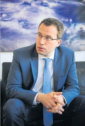 ?? [ Fabry ] ?? Der Vertrag von AMS-Vorstand Johannes Kopf wurde im Oktober verlängert.