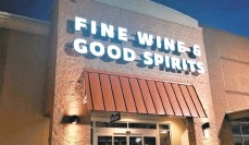 ?? KNELLER/THE MORNING CALL RYAN ?? The Fine Wine & Good Spirits store at 1247 Airport Road in Allentown's Airport Plaza will soon relocate to 934 Airport Center Road in Hanover Township, Lehigh County's Airport Center. The store's new space was previously occupied by Performance Bicycle, which closed in 2019.