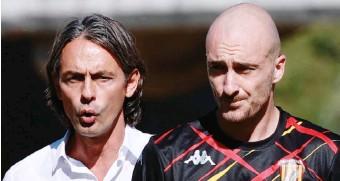 ?? LAPRESSE ?? Il tecnico Pippo Inzaghi con Luca Caldirola, 30 anni