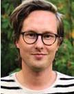 "?? BILDRIMMARE. FOTO: PUG FÖRLAG ?? Mikael Holmquist har ett helt kapitel med Anders Tegnell-bilder. Bland annat ""Anders Tegnell som kriminell""."