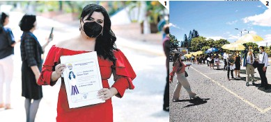 ?? FOTOS: EL HERALDO ?? (1) Stephany María Villacorta Vásquez obtuvo su título de doctora en Medicina y Cirugía. (2) Los graduandos permanecieron en el estacionamiento principal y guardaron el distanciamiento establecido.
