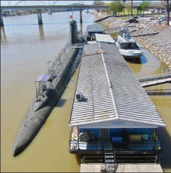 ?? (Special to the Democrat-Gazette/Jack Schnedler) ?? The submarine USS Razorback and tugboat USS Hoga are moored in North Little Rock.