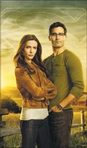 "?? THECW ?? Elizabeth Tulloch is Lois Lane and Tyler Hoechlin is Clark Kent in ""Superman & Lois."""