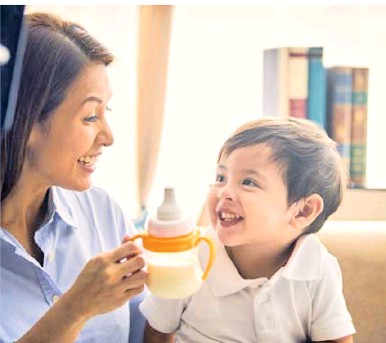 ??  ?? FAT BECAUSE OF MILK It may be the best form of nourishment for baby but the protein in your child's milk may cause obesity, heart disease, diabetes, cancer, and other diseases.