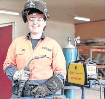 ?? PHOTO: Kieren Tilly ?? LOVING THE WORK: Samara encourages other young women to get involved in a trade.