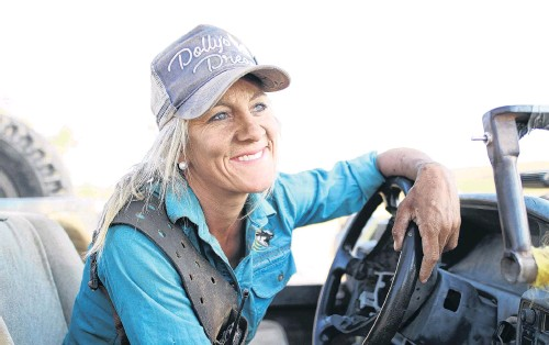 ?? PHOTOS: OUTBACK RINGER ?? Living the dream . . . Liz Cook, pictured at the wheel of her bullcatcher, reflects on life in the Australian outback.