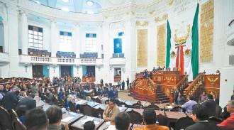 ??  ?? Desde octubre pasado se planteó la donación de autos, que fue aceptada y firmada por los representantes de todos los partidos políticos en el Primer Congreso de la CDMX, recordó el priista Tonatiuh González.