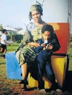 ??  ?? A young Tumi Morake and her mom.