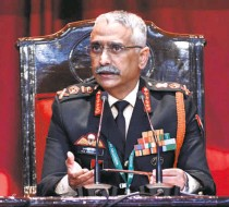 ??  ?? GEN. M.M. NARAVANE , Chief of Army Staff. He said that by attempting to change the status quo along the border, China had created mutual distrust and triggered confrontat­ion.
