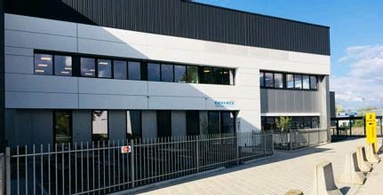 ?? FOTO RR ?? Voor de productie van de testkits werd de bestaande vestiging van Covance in Mechelen uitgebreid met een productiesite van 10.000 vierkante meter.