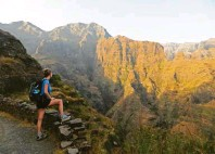 ?? Foto: Bernadette Olderdissen, tmn ?? Wunderbare Ausblicke: Wanderung von Ponta do Sol nach Cruzinha auf der Insel Santo Antão.
