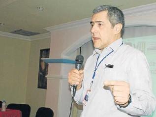?? ARCHIVO ?? José Moya, representante de OPS/OMS en Venezuela, aseguró que el trabajo de la sociedad civil ha permitido la consecución de los recursos