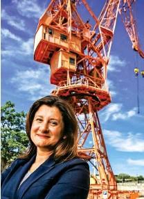 ??  ?? A sinistra, Michela Cattaruzza al vertice della Ocean di Trieste.