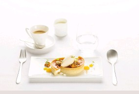 ??  ?? Dessert in First Class tart with sea buckthorn jelly and sour cream