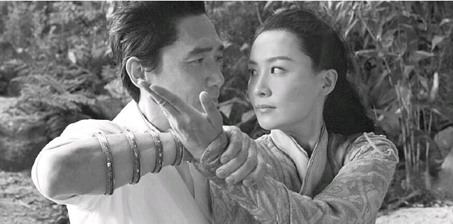 ??  ?? TONY LEUNG (left) and Fala Chen in a scene from Shangchi and the Legend of the Ten Rings, which opened as the No. 1 film in North American theaters.