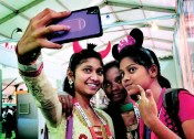 ??  ?? Student deligates of Indian Pharmaceutical Congress 2016 taking selfies at the exhibition held along with the Pharma Congress on AU campus in Visakhapatnam CV SUBRAHMANYAM
