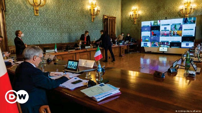 ??  ?? Videokonferenz der wichtigsten Wirtschaftsmächte: Finanzminister der G20 schalten sich unter italienischem Vorsitz zusammen