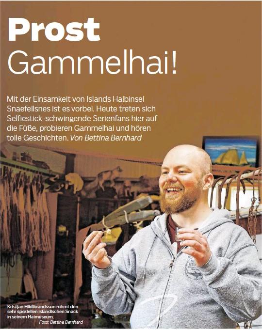 ??  ?? Kristjan Hildibrandsson rühmt den sehr speziellen isländischen Snack in seinem Haimuseum. Foto: Bettina Bernhard