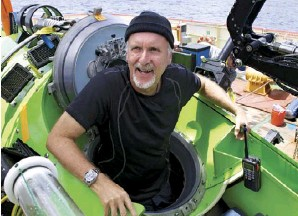 ??  ?? CAST AND CREW Clockwise from left: James Cameron exits the Deepsea Challenger after a dive;
