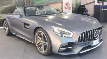 ??  ?? La Mercedes-AMG GT C Roadster con V8 biturbo 4.0 da 557 CV