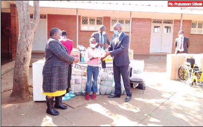 ??  ?? Pic: Praisemore Sithole Labour and Social Welfare deputy minister Lovemore Matuke donating groceries, a fridge and a wheel chair to John Smale Children's Home in Nulawayo yesterday