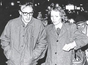 ?? FRANKIE ZITHS/ ASSOCIATED PRESS ?? In this 1984 file photo, filmmaker Woody Allen and actress Mia Farrow are photographed in New York. The couple were romantically involved for more than a decade and collaborated on numerous films.