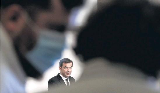 """?? AFP ?? Olivier Véran, ministro de Salud, teme """"una ola más fuerte que las precedentes""""."""