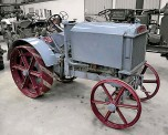 ??  ?? A 1922 Weeks-Dungey 'New Simplex' sold for £46,000