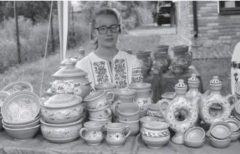 ??  ?? Традиційна опішнянська кераміка.
