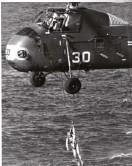??  ?? Ilk helikopter kötü durumda olduğu için Grissom'ı kurtarmak için ikinci bir helikopter gönderildi