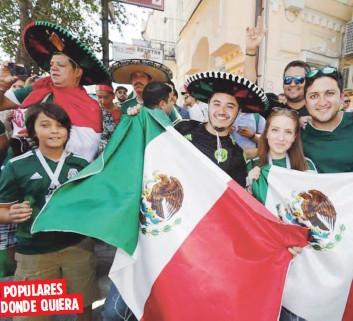 Miles de fanáticos de México se fueron a Rusia a lucir los colores y  sonidos de su cultura. Ahora muchos intercambian o venden sus grandes  sombreros 5c006222b27