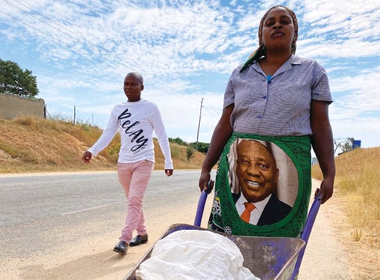 ?? Picture: Alex Japho Matlala ?? UPFRONT SUPPORT. Grace Mongwe of Mavhele village in Tzaneen believes President Cyril Ramaphosa is capable of rooting out corruption in the country.