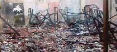 ??  ?? KEADAAN asrama yang terbakar awal pagi, semalam.