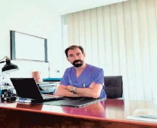 ??  ?? El Dr. González Arranz es experto en el tratamiento de varices con las últimas técnicas de Flebología.