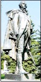 ?? Courtesy, Barbara Greendale ?? Major General James Wolfe's statue, originally brought to Calgary by philanthropist Eric Harvie, will be unveiled on Sunday at South Mount Royal Park.